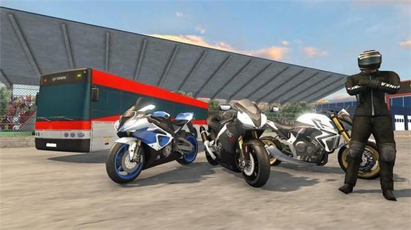 高速巴士vs摩托车